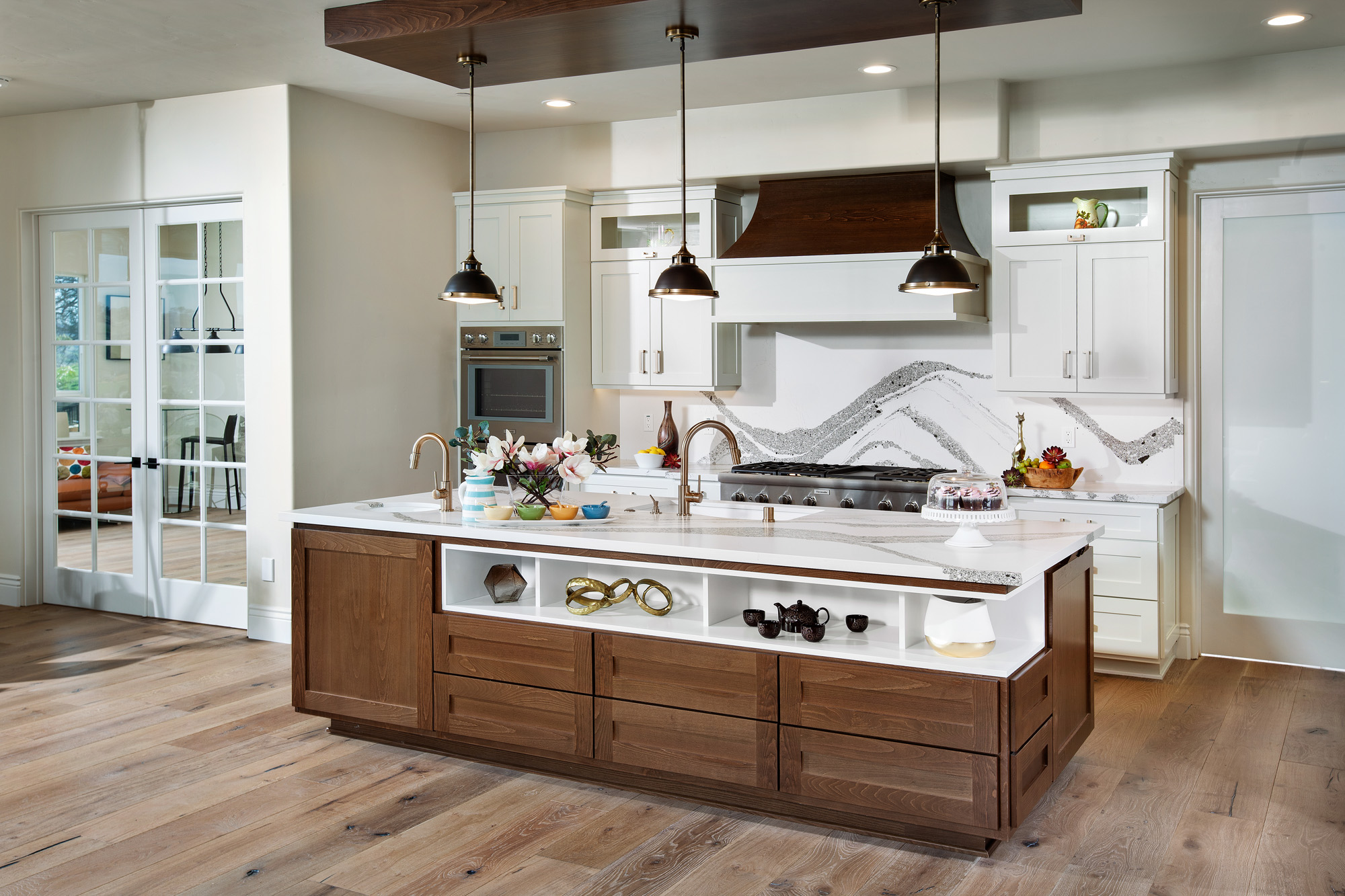 Shaker style cabinets design